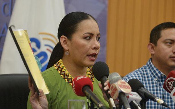 Diana Atamaint espera calificación de juicio político en su contra