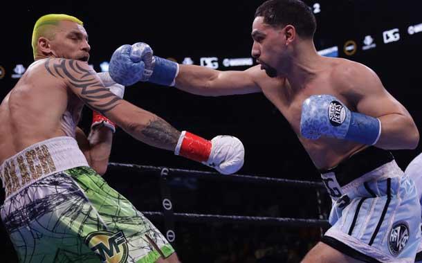 Boxeador hace un homenaje a Tyson con una mordida en media pela