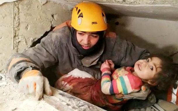 Asciende a 41 cifra de muertes por sismo en Turquía