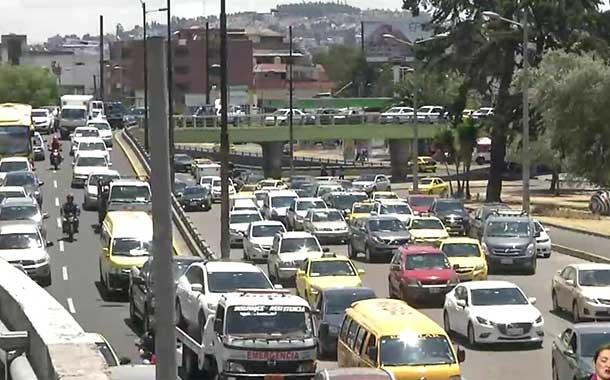 Una persona puede perder hasta 172 horas en el tráfico de Quito