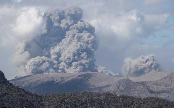 Filipinas mantiene la alerta por erupción del volcán Taal. Hay más de 40 000 evacuados