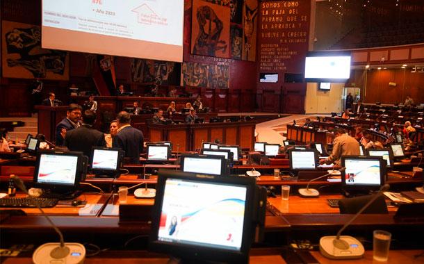 El pleno de la asamblea debate el veto parcial al Código de la Democracia