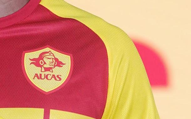 Los nuevos uniformes de Aucas