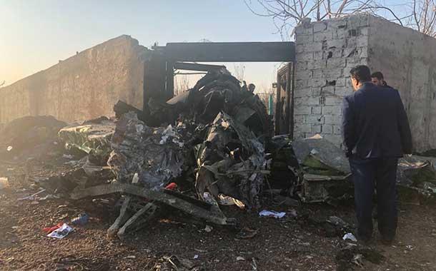 Hallan las cajas negras del avión ucraniano que se estrelló en Irán con 176 personas a bordo