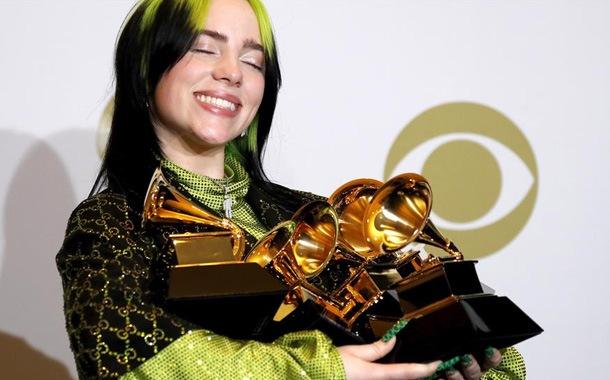 Billie Eilish hizo historia en los Grammy