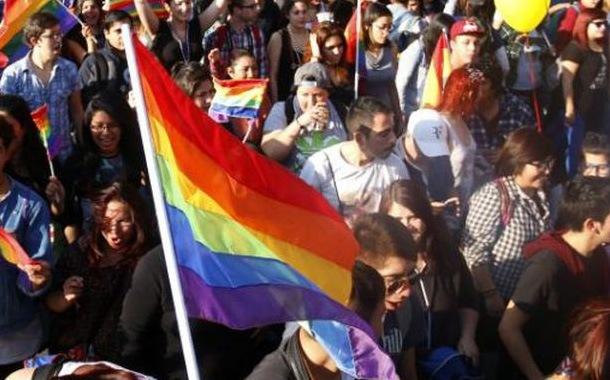 Chile da un paso más hacia el matrimonio igualitario