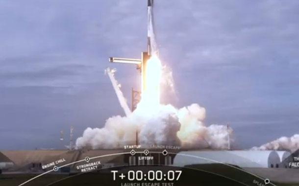 SpaceX destruye un cohete antes de enviar su Crew Dragon con humanos