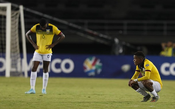 Ecuador frente a Argentina en momentos diferentes