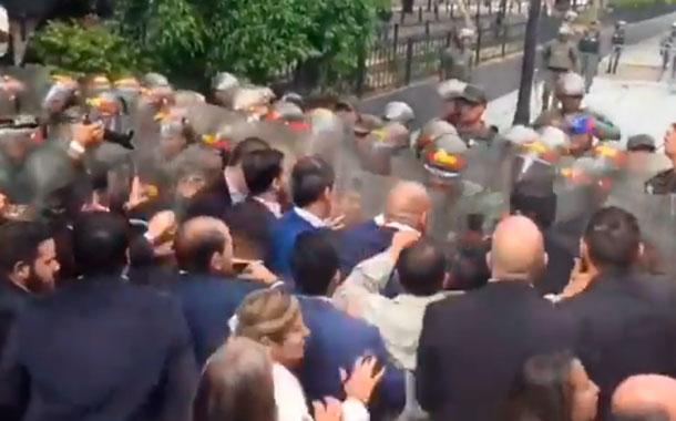 Guardia Nacional Venezolana nuevamente impide el ingreso de Guaidó a la Asamblea Nacional