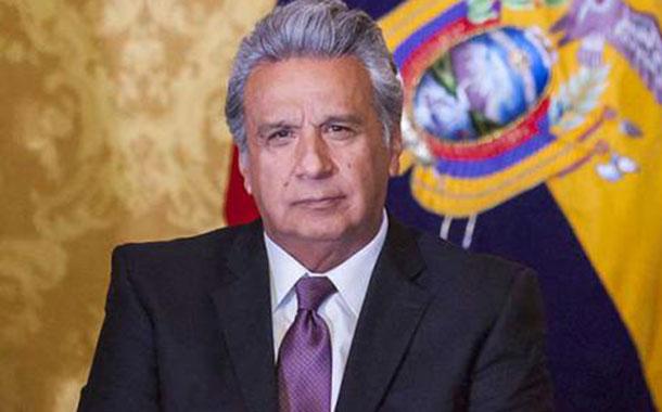 Moreno entrega créditos del Banco de Desarrollo en Azuay