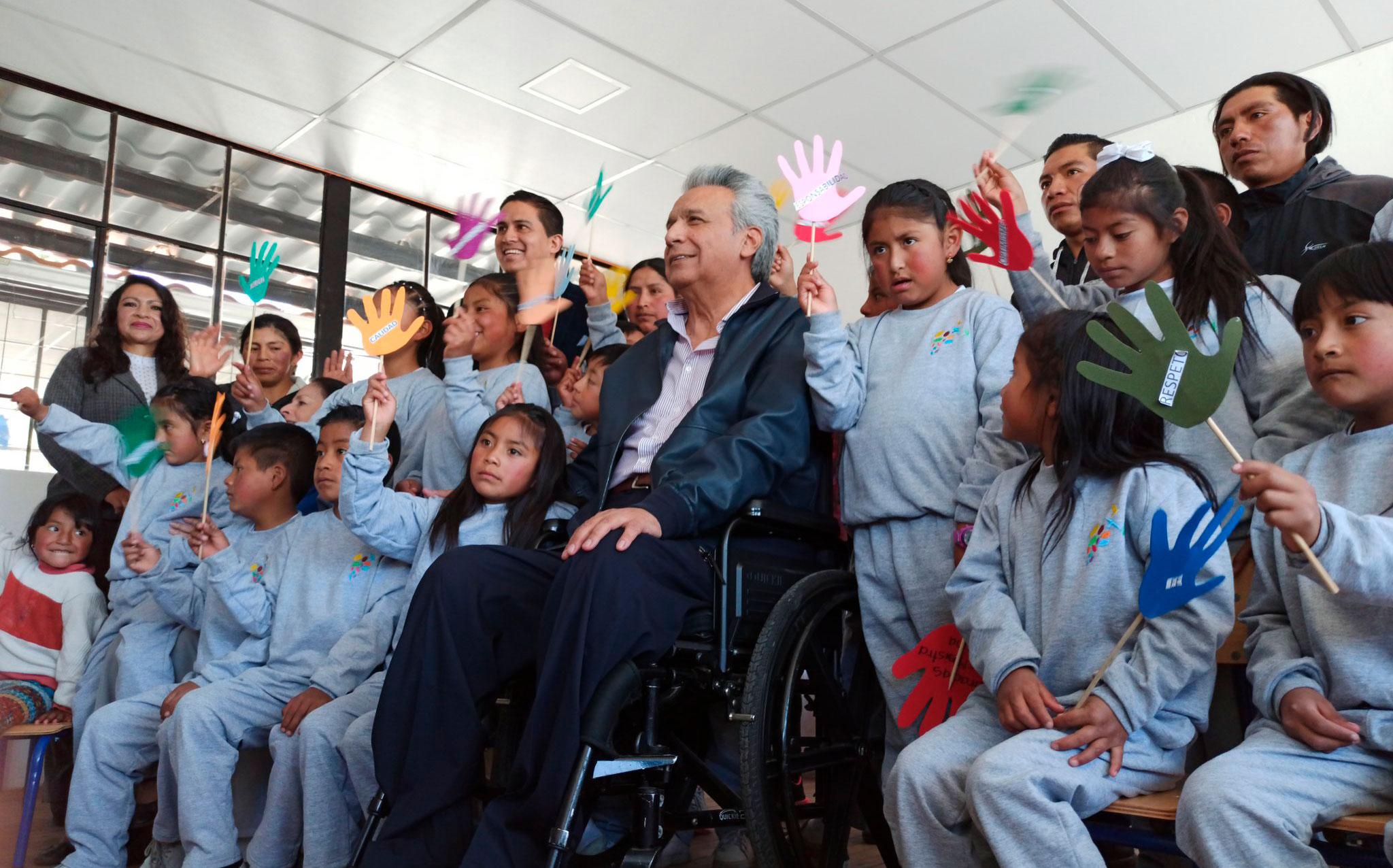 El presidente Moreno reabrió la escuela comunitaria