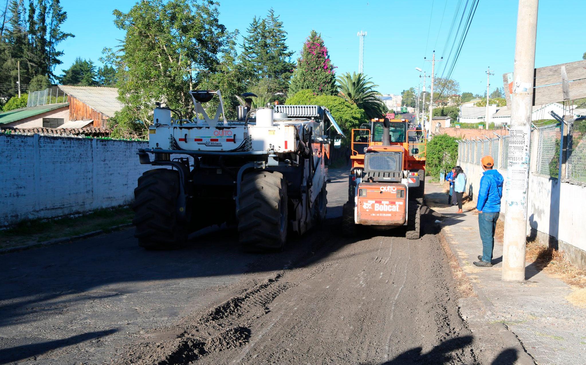 Iniciaron los trabajos de repavimentación en la avenida Ilaló