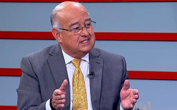 Mauricio Pozo comenta cómo fortalecer la dolarización