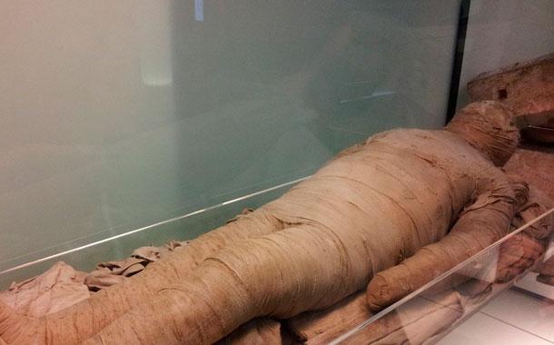 Científicos recrean sonido de voz de momia egipcia