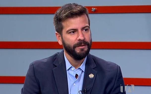 Pablo Arosemena analiza opciones para frenar el desempleo