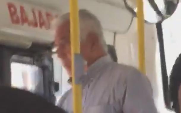 Joven graba a sujeto masturbándose en el bus