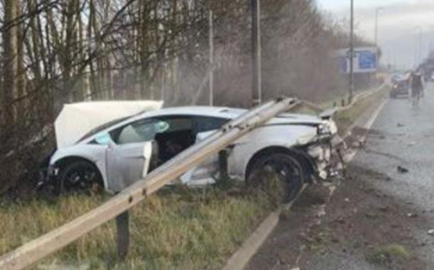 Sergio Romero destrozó su Lamborghini en un choque