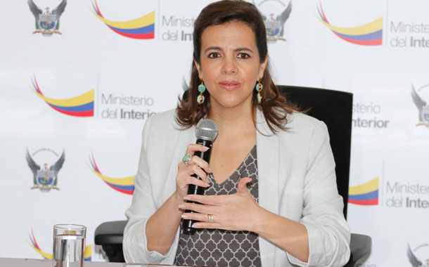 Ministra Romo se refirió a las amenazas recibidas de delincuentes a la policía