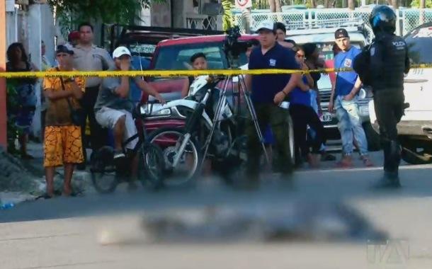 Apuñalaron a un taxista en el Guasmo Sur