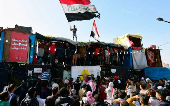 Decenas de miles de iraquíes protestan contra los ataques de EEUU e Irán