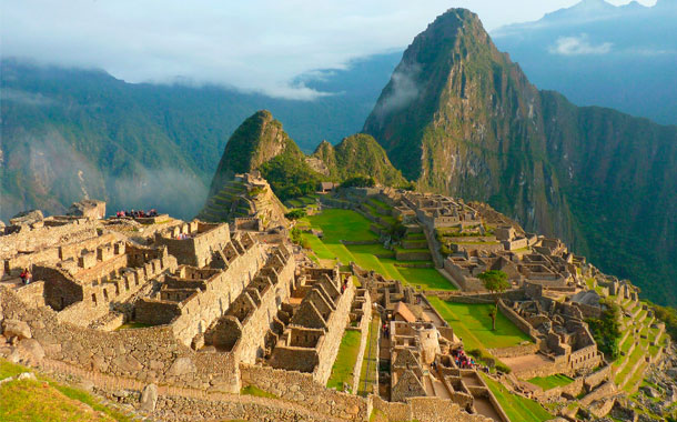 Turistas serán deportados por causar daños en Machu Pichu