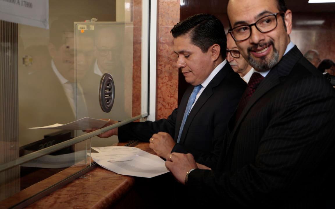 Comité por Institucionalización entregó 113 mil firmas a la Asamblea Nacional