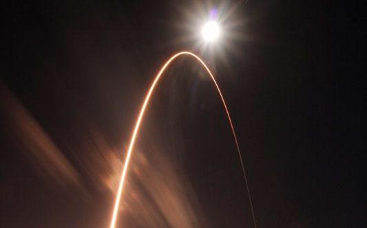 La nave Solar Orbiter despega para investigar los polos del Sol