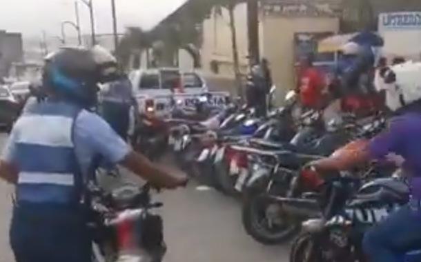 Policía y ATM realizan operativos contra mototaxis ilegales