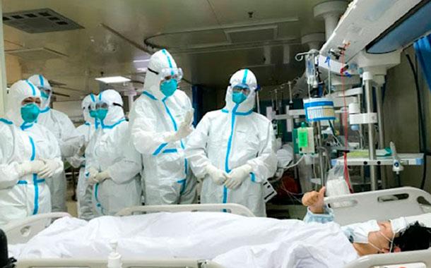 Fallecidos por el coronavirus sube a 1.665 en China pero hay menos casos nuevos