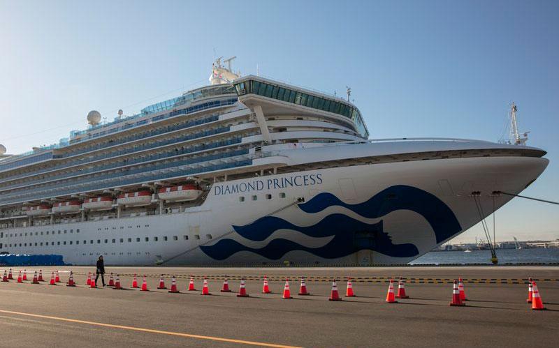 Japón reporta 44 contagios más en crucero y dejará bajar a ciertos negativos