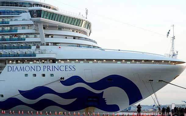 Japón confirma 61 casos de coronavirus en el crucero en cuarentena en Yokohama