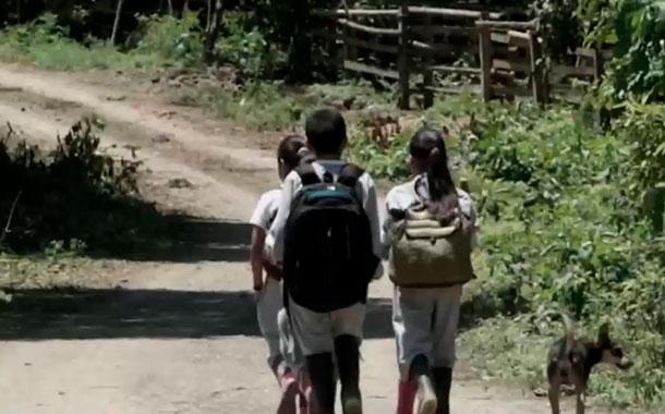 Fundación Amor 7.8 busca cambiar la vida de los habitantes de Puerto Cayo