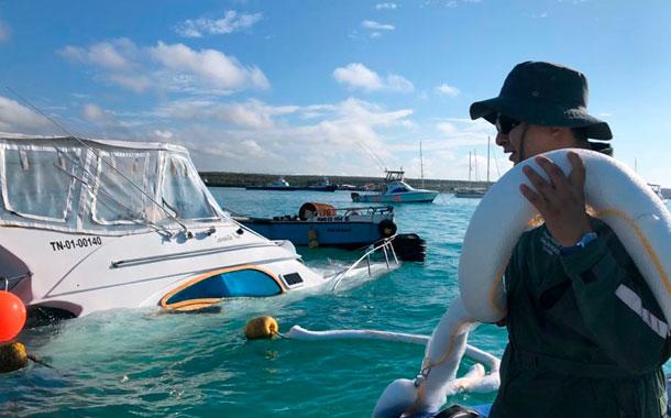 Aplican nuevas medidas de contingencia por hundimiento de embarcación en Galápagos