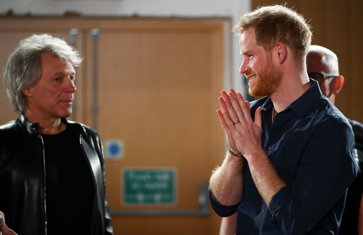 El príncipe Harry se reune con Jon Bon Jovi para grabar una canción con fines benéficos