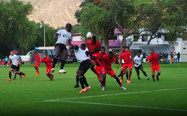 Liga venció a Técnico Universitario en partido amistoso
