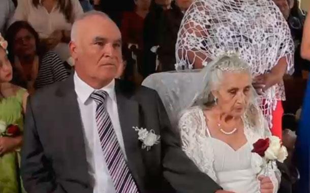 Una pareja de adultos mayores se casaron este fin de semana