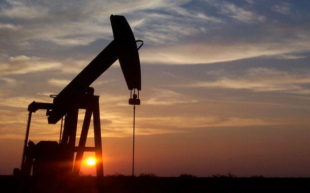 Los países productores de crudo se movilizan para atajar la bajada del precio