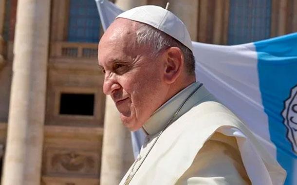 Papa destituye a cura argentino por abuso sexual