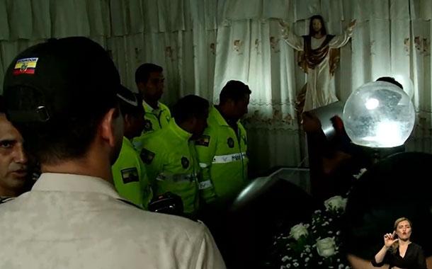 Policía asesinado es velado en medio de gran conmoción y rechazo