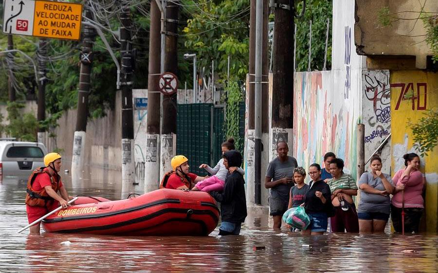 Caos en Sao Paulo por un fuerte temporal de lluvias