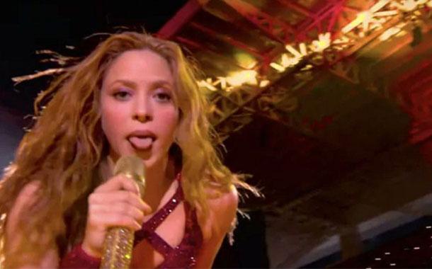 Origen y significado del gesto de Shakira en el Super Bowl