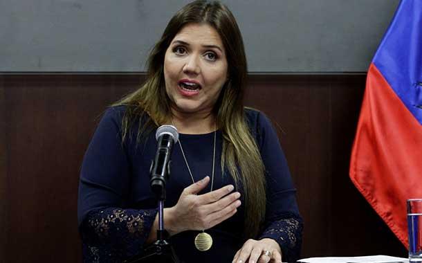 Exvicepresidenta Vicuña quiere evitar cumplir su pena en prisión