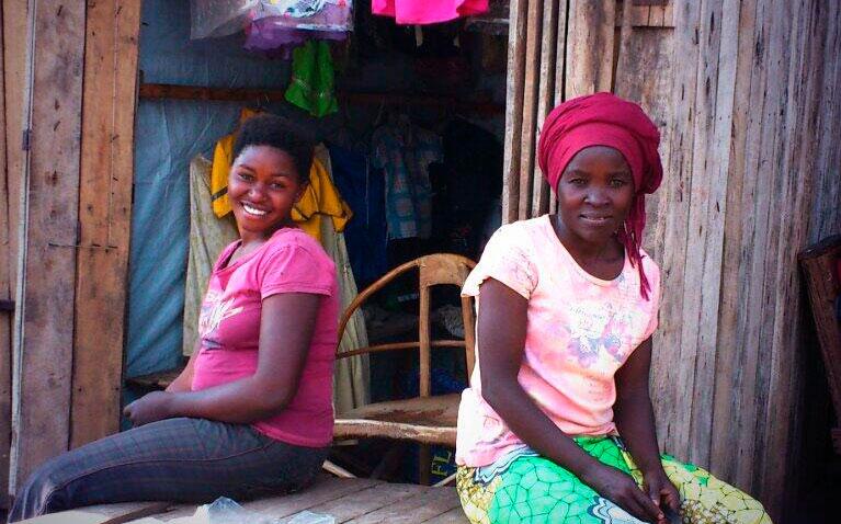 Debate cargado de sarcasmo e ironía sobre los roles de género en África