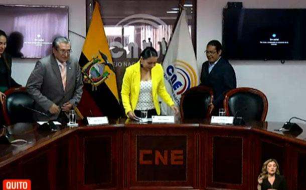 TCE echa abajo 24 resoluciones del CNE
