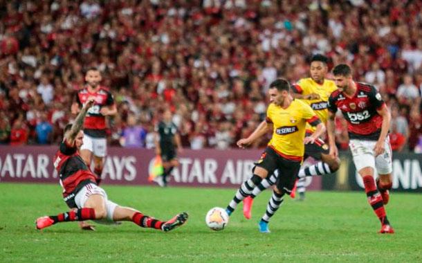 Flamengo arrolló 3-0 al Barcelona de Guayaquil y lidera Grupo A de Libertadores junto a Independiente
