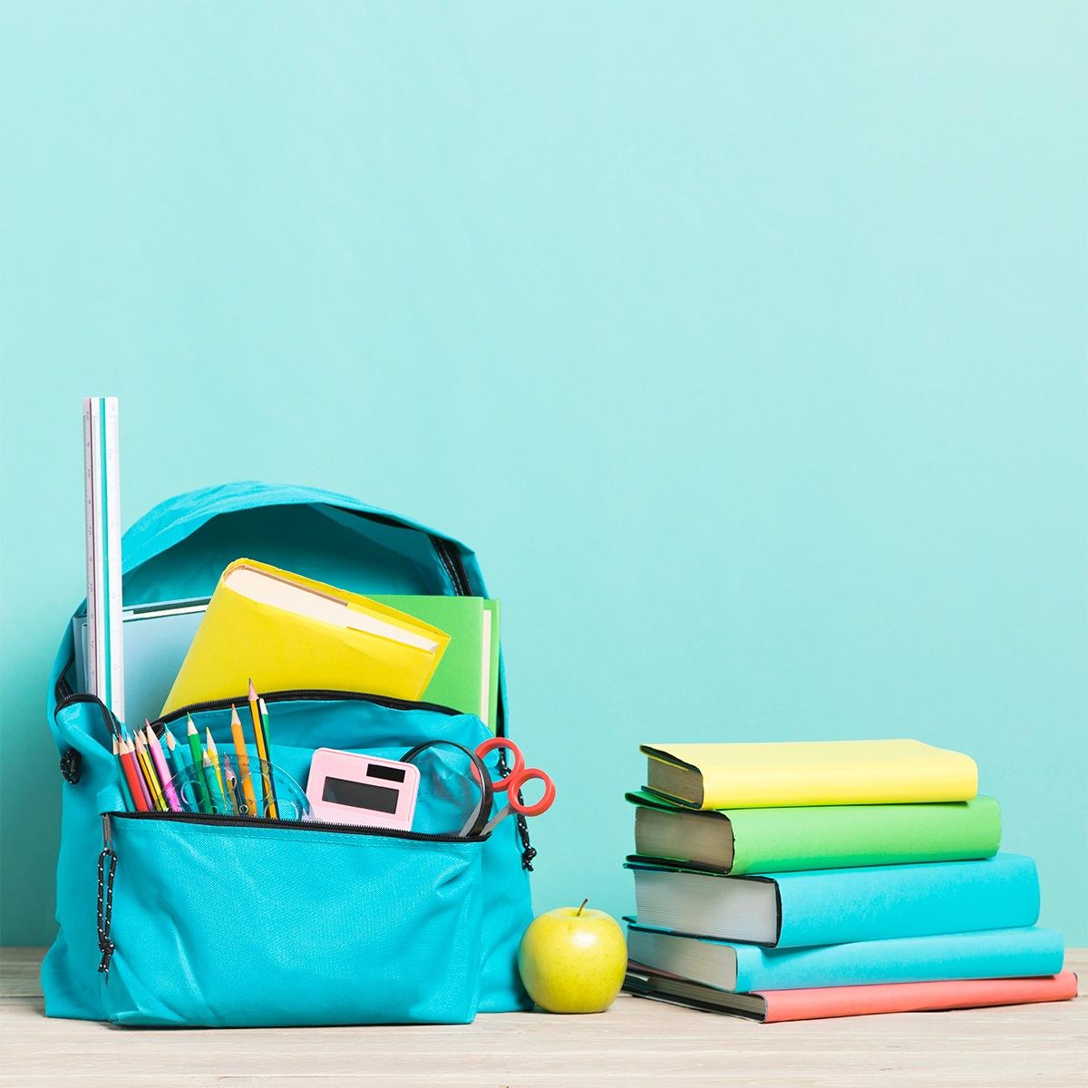 Estudiantes cumplen las actividades académicas en línea desde sus hogares