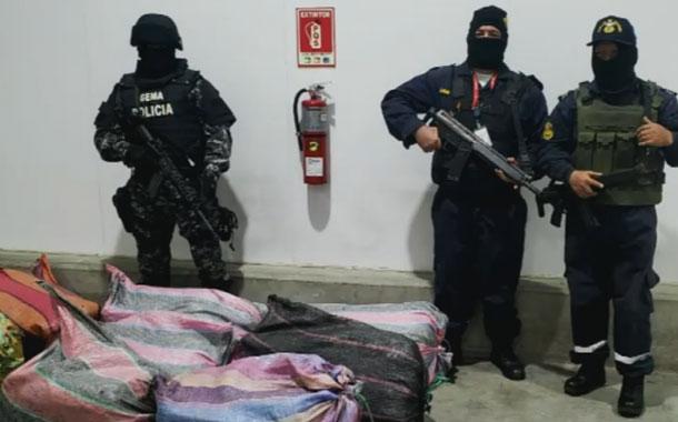 Más de 800 kilos de droga se incautaron este fin de semana por mar y tierra
