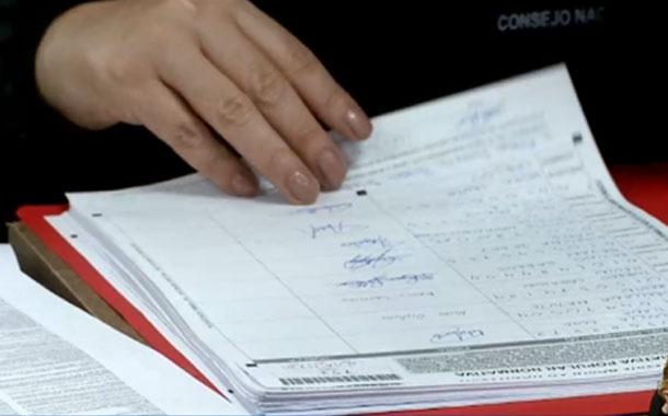 Inició la revisión de firmas para eliminar el CPCCS