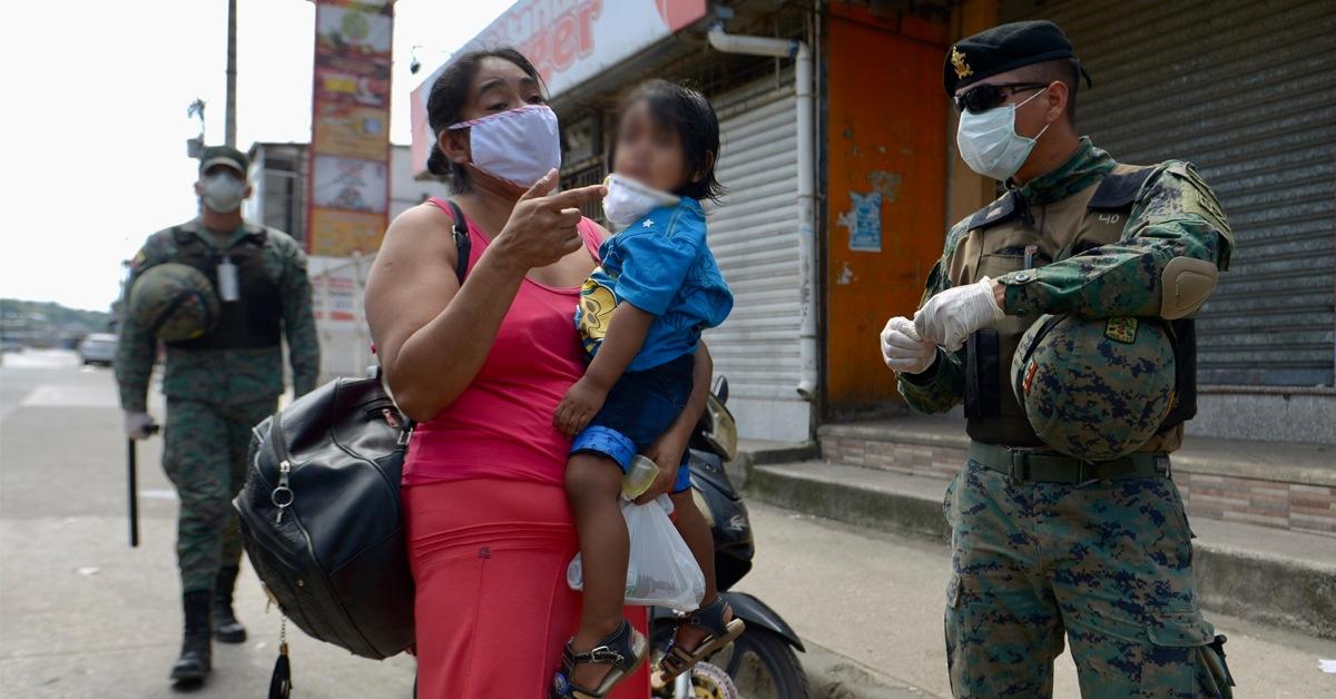 Ciudadanos irrespetan el estado de emergencia y salen a las calles