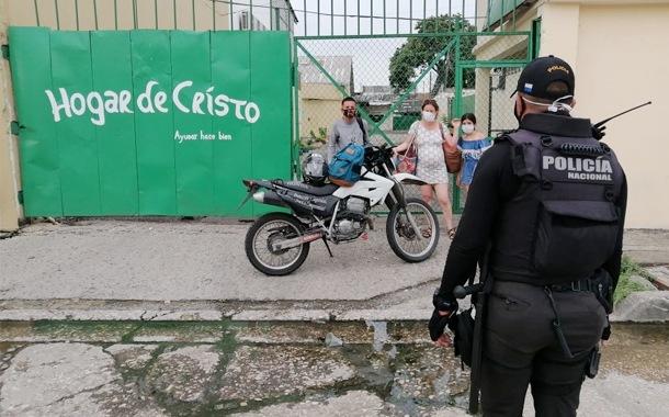 La Policía Nacional realiza operativos de control ante la emergencia